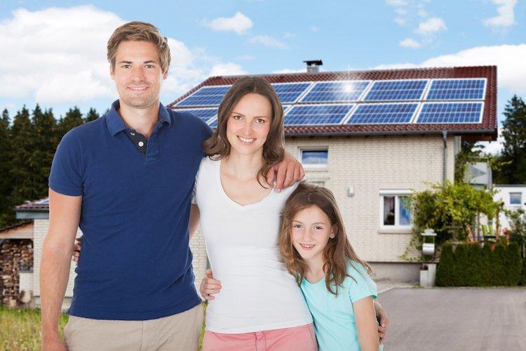 casa com paineis solares